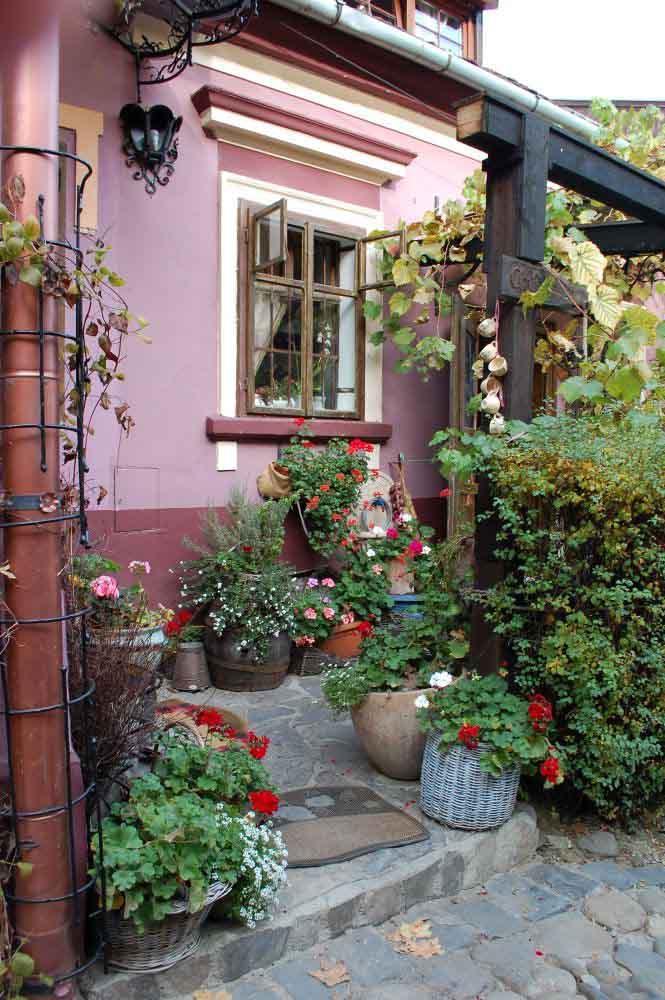 small-patio-garden